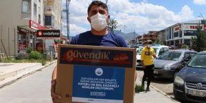 Başkan Orhan'dan kahvehanecilere çay ve şeker desteği