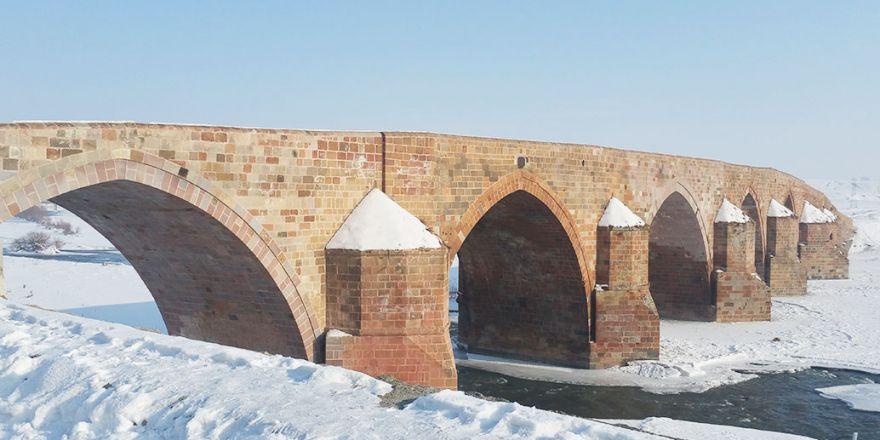Tarihi Çobandere Köprüsü Yıllara Meydan Okuyor